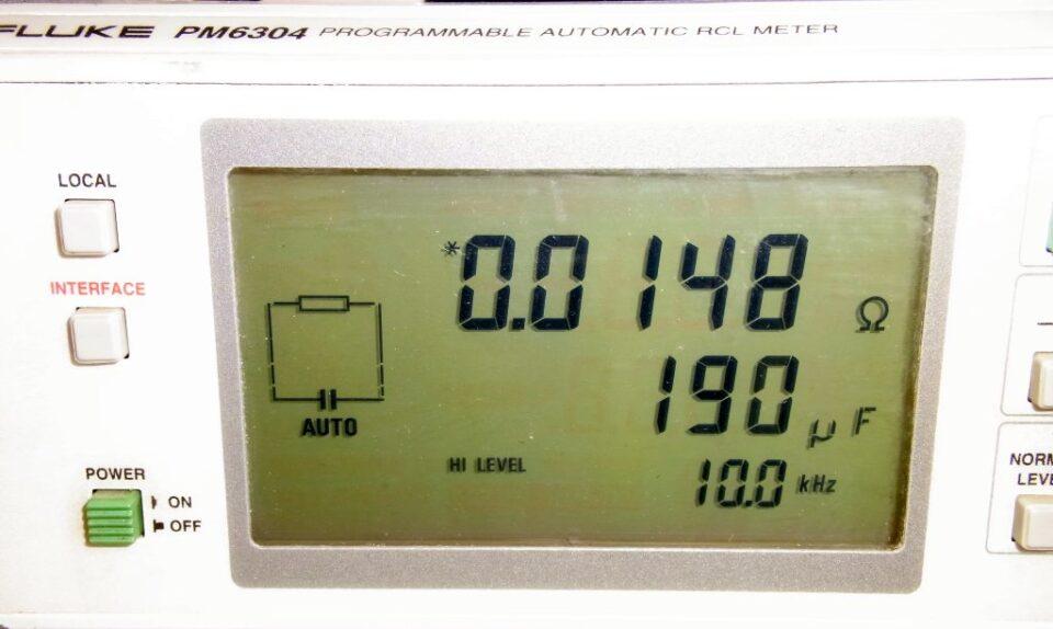 Misura ESR capacitor bank con RCL Fluke